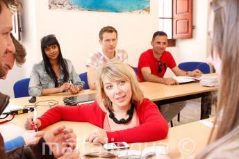 Malta'daki okulumuzda dil öğretimi yapan bir İngilizce öğretmeni