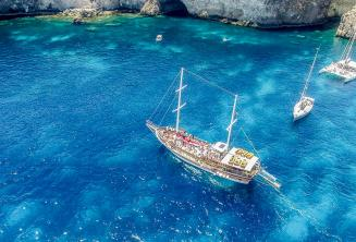 Crystal Bay, Malta'ya okul tekne gezisi